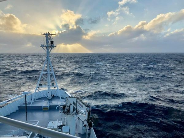 Probing the Australian-Pacific Plate Boundary (Pt 8: Sailing Home)
